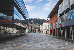 22.03.2020, Leoben, AUT, Coronavirus in Österreich leer Strassen in der Montanstadt aufgrund des Coronavirus, im Bild leere Strassen In Leoben // empty streets in the Montanstadt due to the Coronavirus Pandemie in Leoben, Austria on 2020/03/22. EXPA Pictures © 2020, PhotoCredit: EXPA/ Dominik Angerer