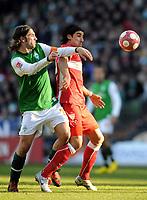 Fotball<br /> Tyskland<br /> 06.03.2010<br /> Foto: Witters/Digitalsport<br /> NORWAY ONLY<br /> <br /> v.l. Torsten Frings, Sami Khedira VfB<br /> Bundesliga SV Werder Bremen - VfB Stuttgart
