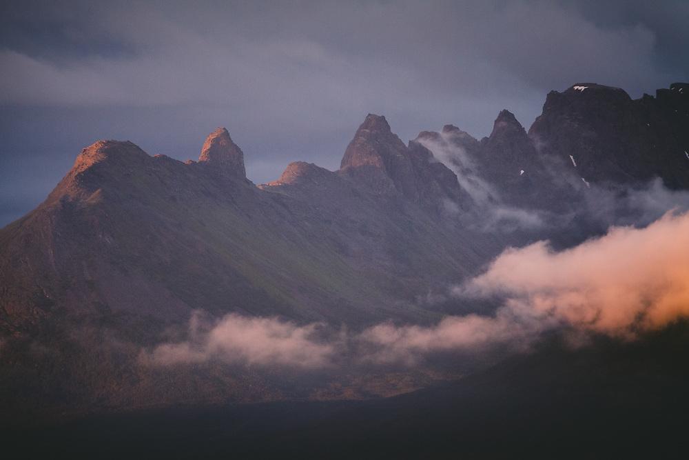 Arete | Sharpness of mountain ridge, Norway