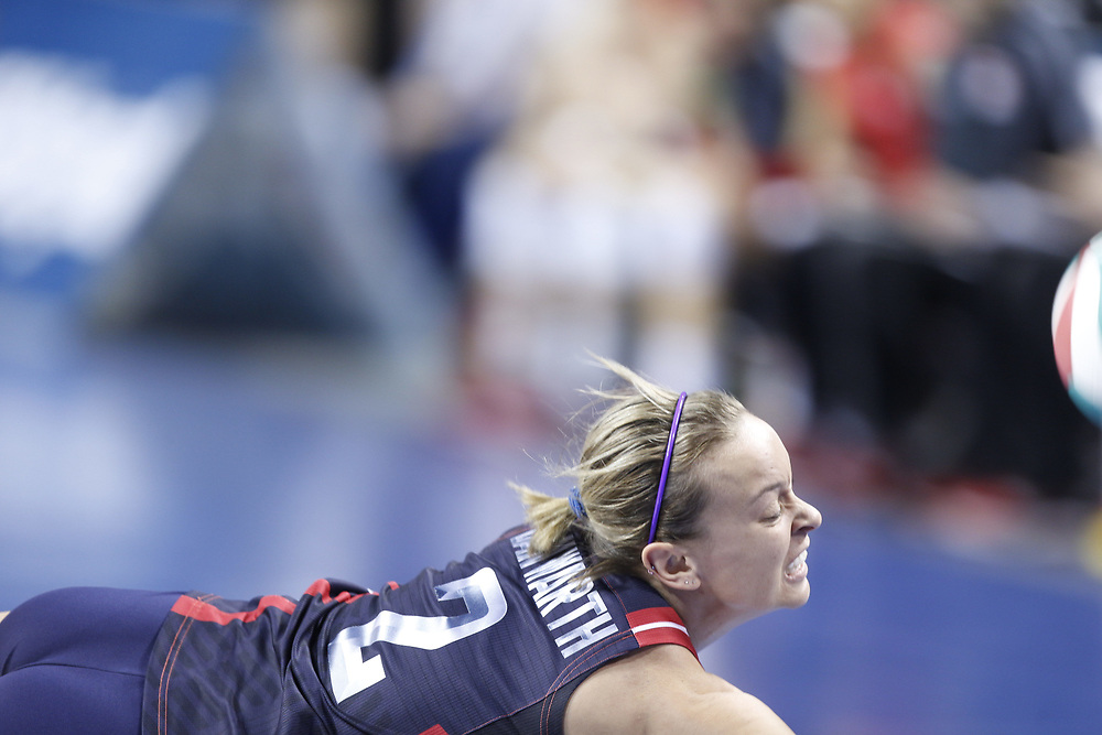 Kayla Banwarth dives for a ball during USA Volleyball's 3-0 win over Canada at Pinnacle Bank Arena in Lincoln, Neb., on Jan. 7, 2016. Photo by Aaron Babcock, Hail Varsity