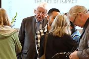 Koningin Maxima bij start Kansen Krijgen Kansen Pakken op het MBO Utrech.  Kansen Krijgen Kansen Pakken bestaat uit een documentaire drieluik (NTR),<br /> educatieve clips en landelijke activiteiten.<br /> <br /> Queen Maxima at start Opportunities Opportunities Suits Get the MBO Utrech. Opportunities Get opportunities Packs consist of a documentary trilogy (NTR)<br /> educational clips and rural activities.<br /> <br /> Op de foto/ On the photo:  Wim Kok