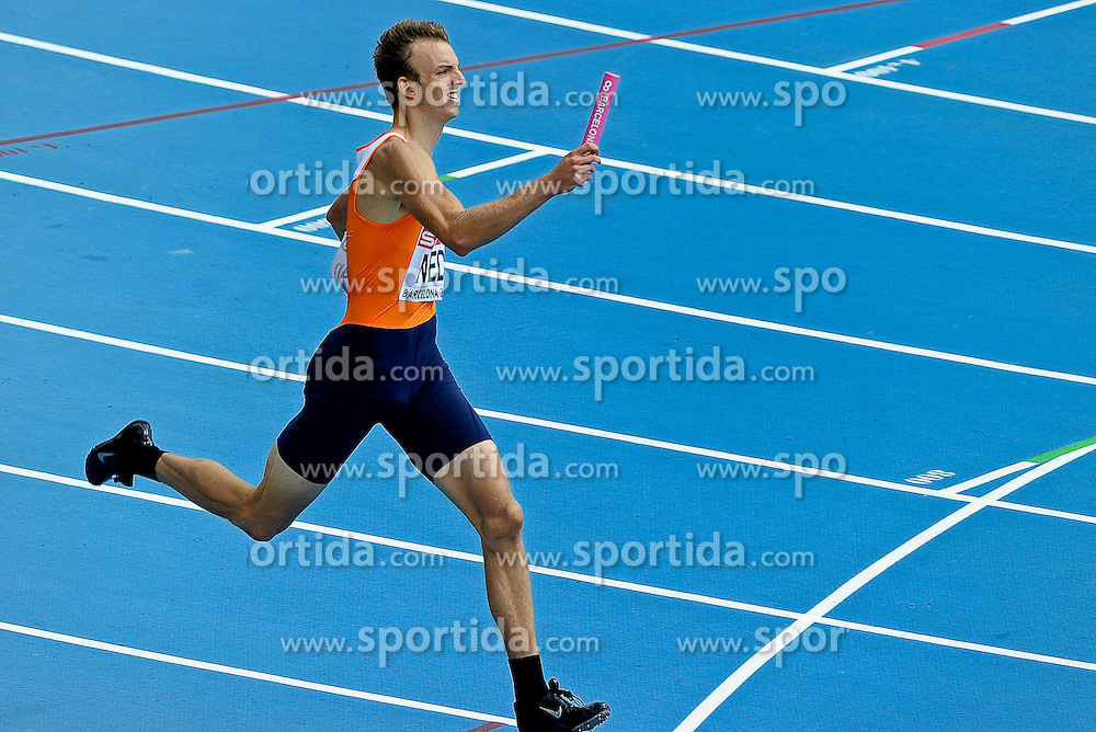 31.07.2010, Olympic Stadium, Barcelona, ESP, European Athletics Championships Barcelona 2010, im Bild Joeri Moerman competes as a first Dutch athlete during the 4x400m Men Relay Heats . GER EXPA Pictures © 2010, PhotoCredit: EXPA/ nph/ . Ronald Hoogendoorn+++++ ATTENTION - OUT OF GER +++++