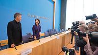 Berlin, 27.09.2021: Robert Habeck und Grünen-Kanzlerkandidatin Annalena Baerbock in der Bundespressekonferenz.
