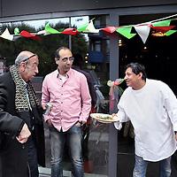 Nederland, Amsterdam  , 16 mei 2015<br /> heropening van Amore Mio, de pizzeria van Moks Louk(r)in het winkelcentrum Holendrecht.<br /> Moks Loukzit er al twintig jaar en heeft de verloedering overleefd.<br /> Dhr. Louka, beter bekend in de buurt als Moks, heeft als ondernemer de moed getoond om deze nieuwe zaken in Holendrecht te realiseren. De verbouwing van het bestaande restaurant en de toevoeging van 2 nieuwe horecaconcepten zijn een mooie aanvulling op de vernieuwing van Boodschappen Centrum Holendrecht.<br /> Foto:Jean-Pierre Jans