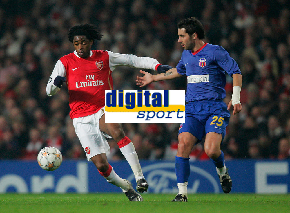 Photo: Tom Dulat/Sportsbeat Images.<br /> <br /> Arsenal v Steaua Bucharest. UEFA Champions League. 12/12/2007.<br /> <br /> Adrian Neaga of Steaua Bucharest and Alexandre Song of Arsenal with the ball.