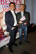 Premiere komedie Bessen in de stadsschouburg van Haarlem.<br /> <br /> Op de foto:<br /> <br />  Frank Sanders en Steven Moonen