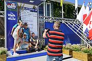 Nederland, Nijmegen, 17-7-2017 Inschrijving voor de 101e vierdaagse. Op de Wedren schrijven lopers zich in voor de tocht die dinsdag begint . 30, 40 en 50 km. 46.000 deelnemers hebben zich aangemeld. Ze krijgen als startbewijs een polsbandje met een barcode die de controle op het parcours makkelijker maakt. FOTO: FLIP FRANSSEN