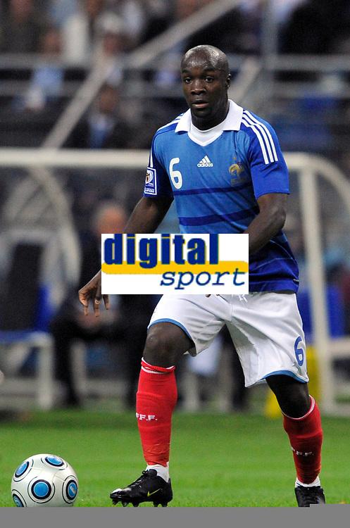 Fotball<br /> Frankrike<br /> Foto: DPPI/Digitalsport<br /> NORWAY ONLY<br /> <br /> FOOTBALL - FIFA WORLD CUP 2010 - QUALIFYING ROUND - GROUP 7 - FRANCE v ROMANIA  - 5/09/2009<br /> <br /> LASSANA DIARRA (FRA)