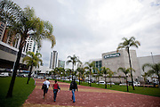 Belo Horizonte_MG, Brasil...BH Shopping e a Praca Marcelo Goes Menicucci no bairro Belvedere regiao centro-sul da capital, Minas Gerais...BH Mall and Marcelo Goes Menicucci in Belvedere neighborhood in Belo Horizonte, Minas Gerais...Foto: NIDIN SANCHES / NITRO