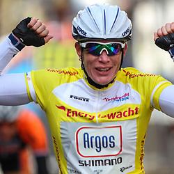 Energiewachttour Stage 2 Pekela-Veendam Kirsten Wild wins her 2nd stage