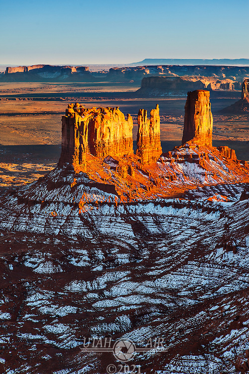 Stagecoach and Bear and Rabbit formations in Monument Valley