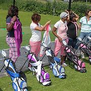 NLD/Abcoude/20120530 - Gekleurde bn' ers gaan multicultureeel golfen,