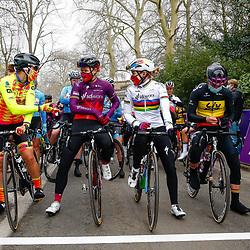 27-02-2021: Wielrennen: Omloop Het Nieuwsblad - Vrouwen: Gent<br />voor de start met wereldkampioen Anna van der Breggen