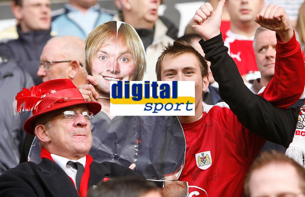 Photo: Steve Bond/Sportsbeat Images.<br />Wolverhampton Wanderers v Bristol City. Coca Cola Championship. 03/11/2007. Bristol City fans & friends