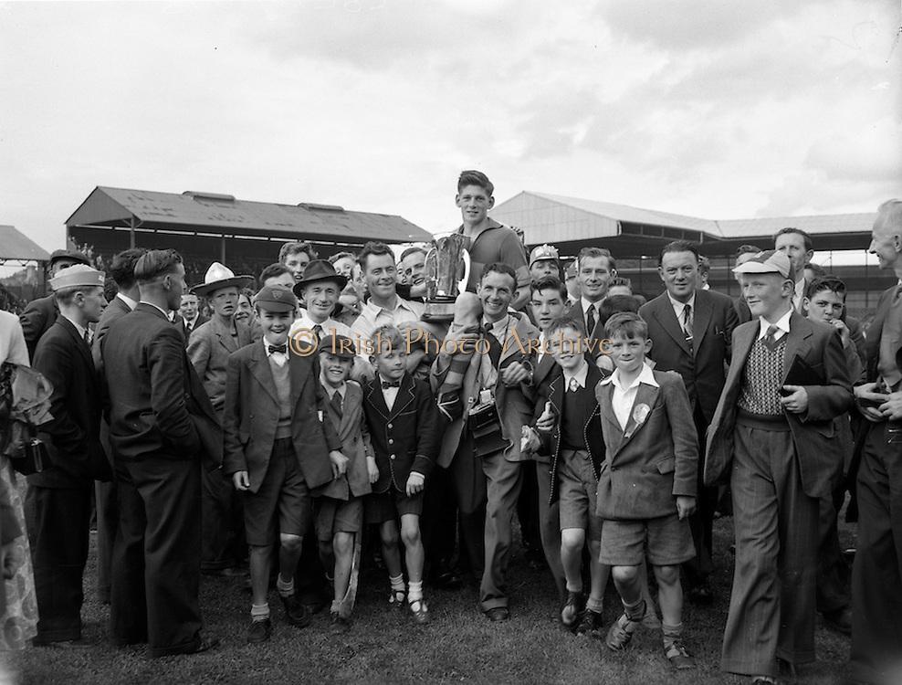 04/09/1955<br /> 09/04/1955<br /> 4 September 1955<br /> All-Ireland Minor Final: Tipperary v Galway at Croke Park, Dublin.