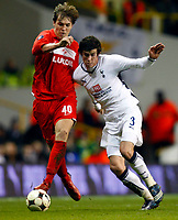 Tottenham's Gareth Bale Artem Dzyuba of FC Spartak Moscow Tottenham Hotspur Vs Spartak Moscow at White Hart Lane London UEFA Cup Group D. 18/12/2008. <br /> Credit Colorsport / Kieran Galvin