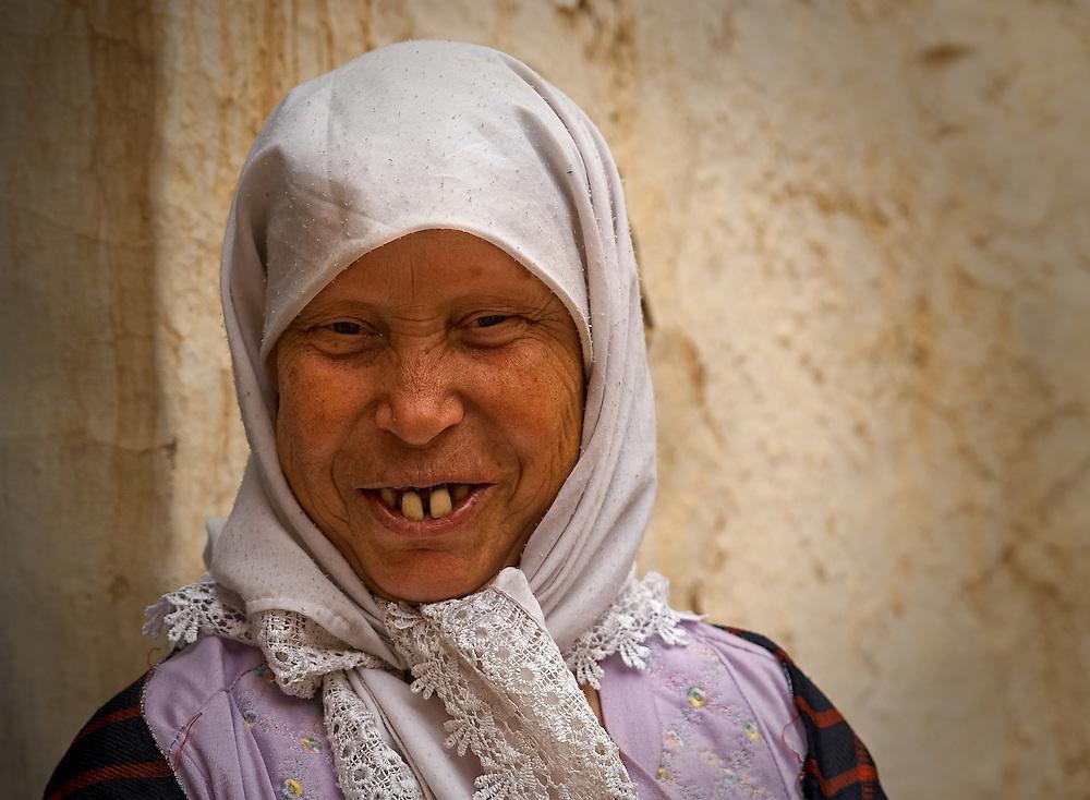 Tunisia - Berberian old woman