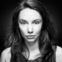 Actress Stephanie Greer Headshot, An actress who achieved first class honours in Acting and has several theatre, TV and radio credits including Deadlock and Radio 3's The Verb.