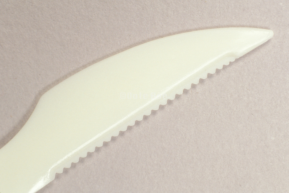 serrated blade of plastic knife