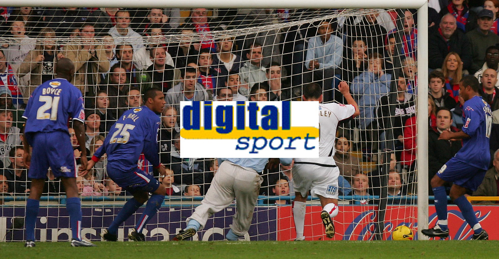 Photo: Frances Leader.<br />Crystal Palace v Sheffield Utd. Coca Cola Championship.<br />05/11/2005.<br /><br />Sheffield United's Neil Shipperley (2nd, R) scores the first goal .