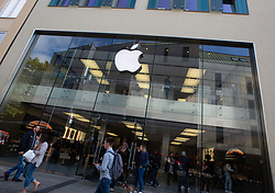 October 9, 2018 - Munich, Bavaria, Germany - The Apple Store in Munich, Germany seen from outside. (Credit Image: © Alexander Pohl/NurPhoto via ZUMA Press)