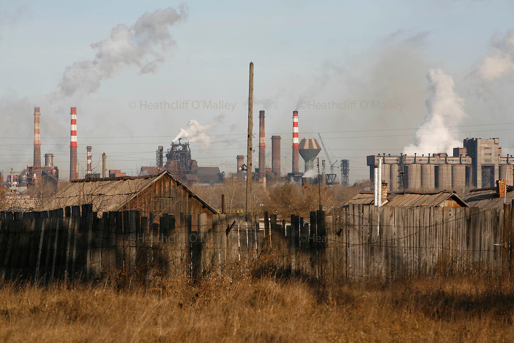 Photo by Heathcliff Omalley..Nizhny Tagil 9 November 2007.The Industrial town of Nizhny Tagil 150km from Yekaterinburg in the Urals, an area rich minerals, which has one of the highest rates of pollution the country.
