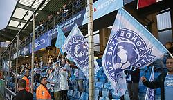 SønderjyskE-fans fejrer sejren i finalen i Sydbank Pokalen mellem AaB og SønderjyskE den 1. juli 2020 i Blue Water Arena, Esbjerg (Foto Claus Birch).
