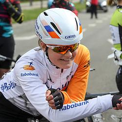 16-04-2016: Wielrennen: IJsseldelta Topcompetitie vrouwen: Zwolle<br />ZWOLLE (NED) wielrennen <br />Wind was in deze editie de grootste tegenstanders van de vrouwen.<br />Jeanne Korevaar