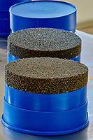 France, Loire-et-Cher (41), Caviar de Sologne, pisciculture Hennequart, fabrication du caviar // France, Loire-et-Cher (41), Caviar of Sologne, pisciculture Hennequart, caviar production