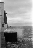 1982 -  Fishermen Blockade Dublin port P42