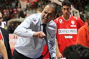 DESCRIZIONE: Varese Lega A 2015/16 <br /> Openjobmetis Varese vs Pasta Reggia Caserta<br /> GIOCATORE: Paolo Moretti<br /> CATEGORIA: time out<br /> SQUADRA: Openjobmetis Varese<br /> EVENTO: Campionato Lega A 2015-2016<br /> GARA: Openjobmetis Varese Pasta Reggia Caserta<br /> DATA: 04/10/2015<br /> SPORT: Pallacanestro<br /> AUTORE: Agenzia Ciamillo-Castoria/A. Ossola<br /> Galleria: Lega Basket A 2015-2016<br /> Fotonotizia: Varese Lega A 2015-16 <br /> Openjobmetis Varese Pasta Reggia Caserta