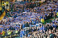UEFA Europa League 2015: Celtic - Molde. Moldesupporterne løfter skjerfene etter at Daniel Berg Hestad har satt inn 1-2 i Europa League kampen mellom Celtic og Molde på Celtic Park.