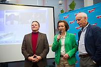DEU, Deutschland, Germany, Berlin, 13.03.2016: Georg Pazderski und Beatrix von Storch, die beiden Berliner AfD-Landesvorsitzenden, mit Albrecht Glaser (R), stv. AfD-Sprecher, bei der Wahlfeier nach dem Landesparteitag der Partei Alternative für Deutschland (AfD) im Kolumbus Hotel.
