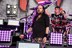 © Licensed to London News Pictures. 26/08/2017. Reading Festival 2017, Reading, UK. Korn perform on the main stage. Jonathan Davis and Ray Luzier pictured  Photo credit: Andy Sturmey/LNP