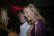 WENDY KIDD ANDHER DAUGHTER JODIE KIDD, Oli fashion launch. Haymarket Hotel. London. 4 July 2007.  -DO NOT ARCHIVE-© Copyright Photograph by Dafydd Jones. 248 Clapham Rd. London SW9 0PZ. Tel 0207 820 0771. www.dafjones.com.