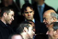 Fotball<br /> Premier Legaue England 2004<br /> 13.11.2004<br /> Foto: BPI/Digitalsport<br /> NORWAY ONLY<br /> <br /> Fulham v Chelsea<br /> <br /> Roman Abramovich and Mohammed Al Fayed chat before kick off