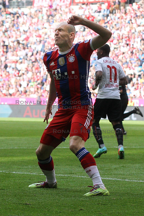 10.05.2014, Allianz Arena, Muenchen, GER, 1. FBL, FC Bayern Muenchen vs VfB Stuttgart, 34. Runde, im Bild Arjen Robben #10 (FC Bayern Muenchen) aergert sich // during the German Bundesliga 34th round match between FC Bayern Munich and VfB Stuttgart at the Allianz Arena in Muenchen<br /> ***NETHERLANDS ONLY***