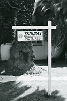1987 Skouras Pictures sign at Hollywood Center Studios