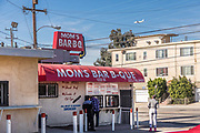 Mom's Bar B-Que Fast Food