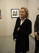 Agnes B. Photographers Citibank Award evening. Photographers Gallery, 28 Feb 2002. © Copyright Photograph by Dafydd Jones 66 Stockwell Park Rd. London SW9 0DA Tel 020 7733 0108 www.dafjones.com