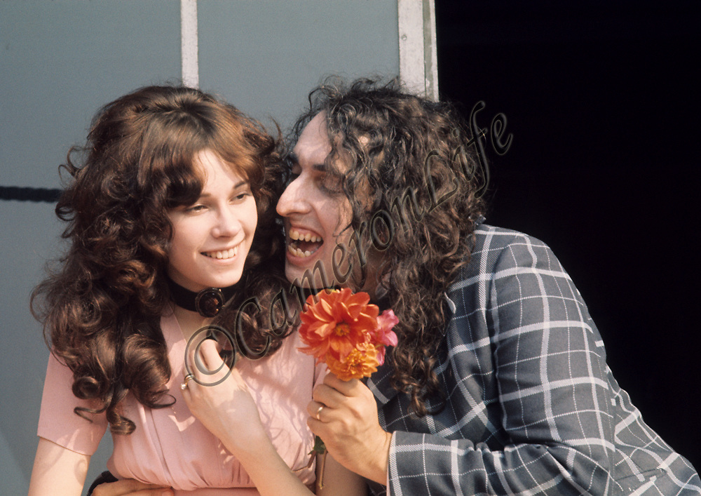 """.Tiny Tim and Miss Vicki .- This happy couple were publicly married on the """"Tonight"""" show, a US talk show hosted by Johnny Carson. Vicki was the first of three wives, splitting up eight years after this picture was taken. Her desire to resume her career as a model came between them. Born Herbert Khaury in 1932, Tiny Tim was most famous for his falsetto rendition of """"Tiptoe through the Tulips"""". He died in 1996"""