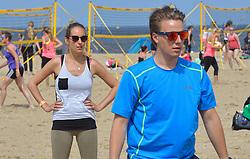 20150627 NED: WK Beachvolleybal day 2, Scheveningen<br /> Nederland heeft er sinds zaterdagmiddag een vermelding in het Guinness World Records bij. Op het zonnige strand van Scheveningen werd het officiële wereldrecord 'grootste beachvolleybaltoernooi ter wereld' verbroken. Maar liefst 2355 beachvolleyballers kwamen zaterdag tegelijkertijd in actie / Laura Goense met NSkiV
