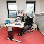 Nederland, Utrecht, 20081127..Ria Sluiter zittend in haar werkruimte. Voorzitter van het College van Bestuur van de NUOVO, Stichting voor Openbaar Voortgezet Onderwijs Utrecht..