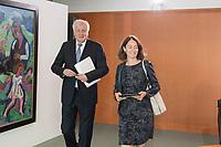 29 AUG 2018, BERLIN/GERMANY:<br /> Horst Seehofer (L), CSU, Bundesinnenminister, und Katarina Barley (R), SPD, Bundesjustizministerin, vor Beginn der Kabinettsitzung, Bundeskanzleramt<br /> IMAGE: 20180829-01-002<br /> KEYWORDS: Kabinett, Sitzung