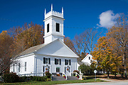 Typical stylish and elegant New England white clapboard Peru Congregational church in Manchester, Vermont, USA