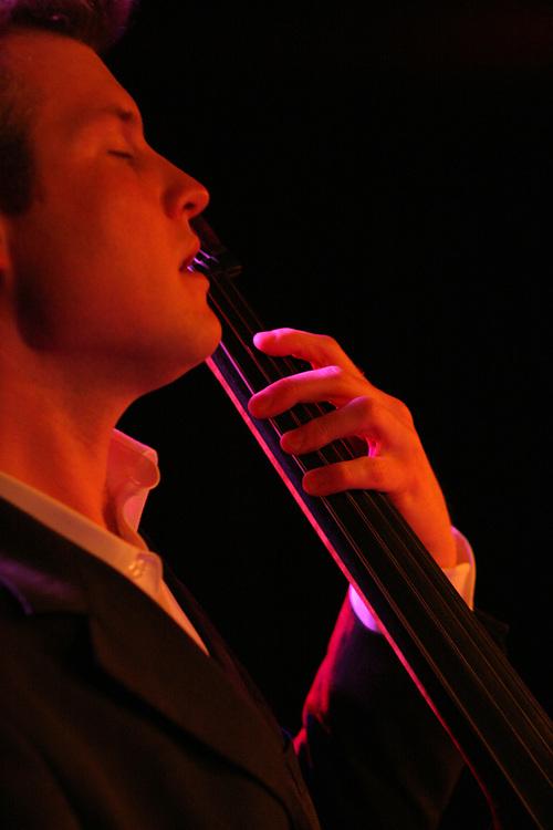 Bass player/ jazz musician Kasper Kalff // Kasper Kalff, bassist/ jazzmuzikant.