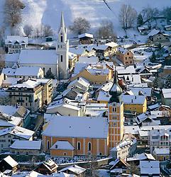 15.01.2013, Schladming, AUT, FIS Weltmeisterschaften Ski Alpin, Schladming 2013, Vorberichte, im Bild die evangelische (links) und die katholische Kirche am 15.01.2013 // the evangelical (left) and the catholic church of Schladming on 2013/01/15, preview to the FIS Alpine World Ski Championships 2013 at Schladming, Austria on 2013/01/15. EXPA Pictures © 2013, PhotoCredit: EXPA/ Martin Huber