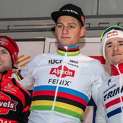 01-01-2020: Wielrennen: DVV veldrijden: Baal <br />Mathieu van der Poel wint de eerste cyclocross van 2020 in Baal