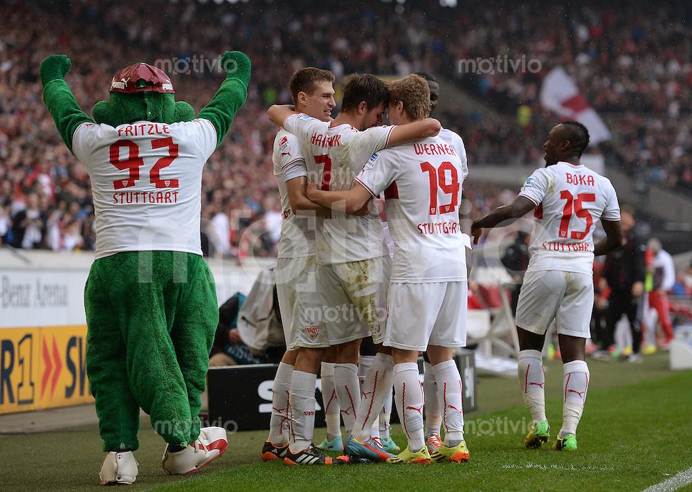 Fussball  1. Bundesliga  Saison 2013/2014  29. Spieltag VfB Stuttgart - SC Freiburg       05.04.2014 JUBEL VfB Stuttgart; Maskotten Fritzle, Daniel Schwaab, Martin Harnik, Timo Werner und Arthur Boka (v.li.)