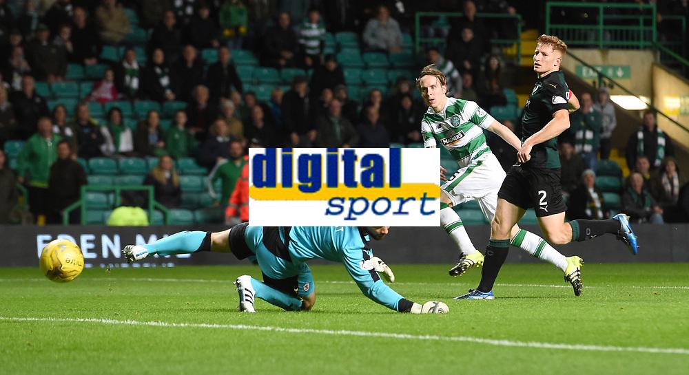 23/09/15 SCOTTISH LEAGUE CUP 3RD ROUND   <br /> CELTIC v RAITH ROVERS<br /> CELTIC PARK - GLASGOW <br /> Celtic's Stefan Johansen (left) makes it 2-0.
